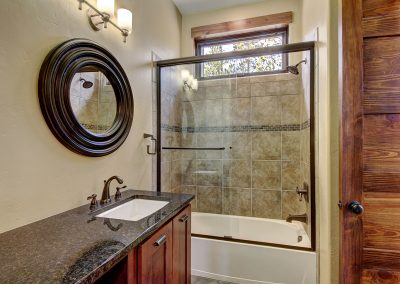 0341 Silver Circle-print-019-10-Bathroom-3453x2302-300dpi